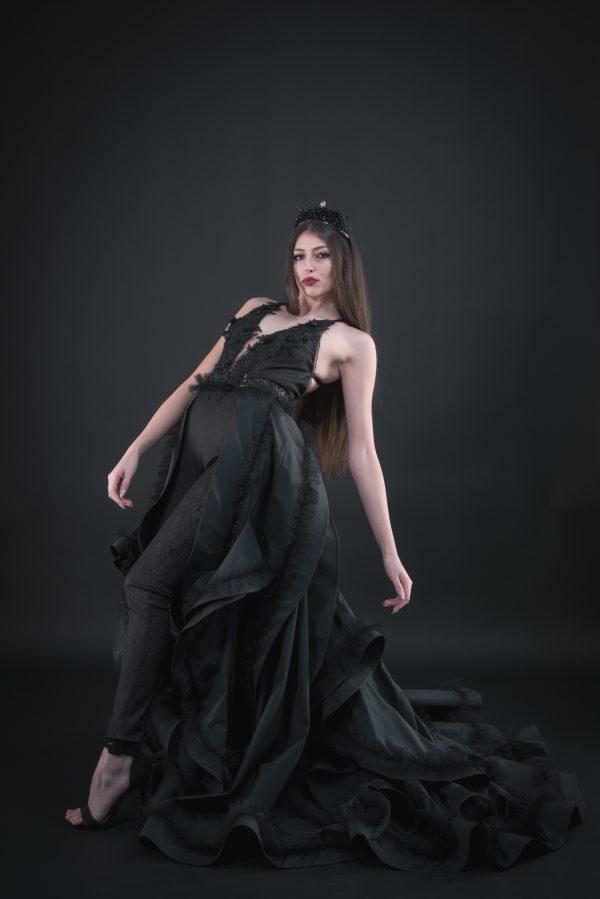 Абитириентски рокли, Официални рокли, Бални рокли, Бутикови рокли, Дамски гащеризон