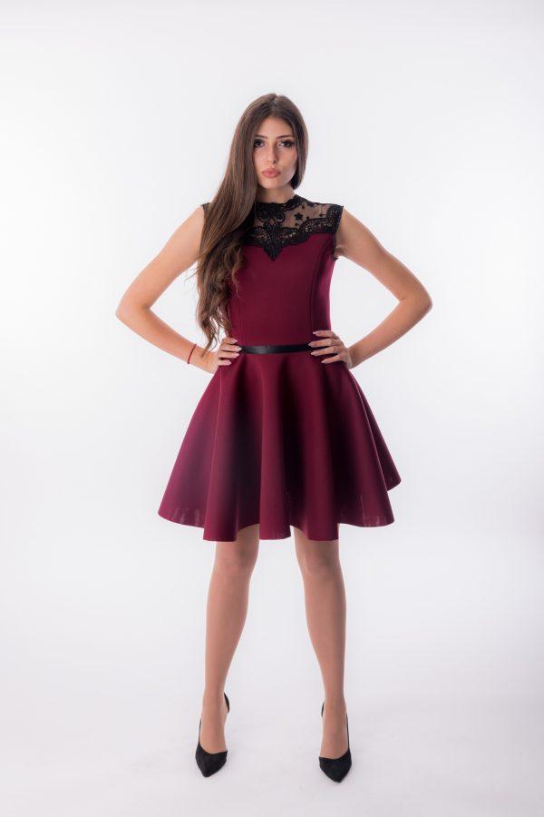 дамска рокля, коктейлна, вталена,бална, дантела,неопрен,бордо