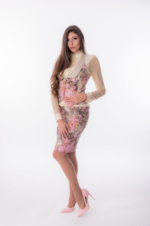 дамски костюм, втален, розов, леопард, пола, елек